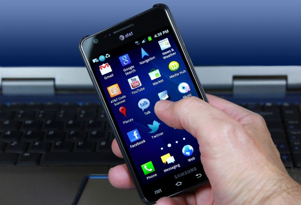 okostelefon-mobil-att-123rf_toszdeforumfotoja